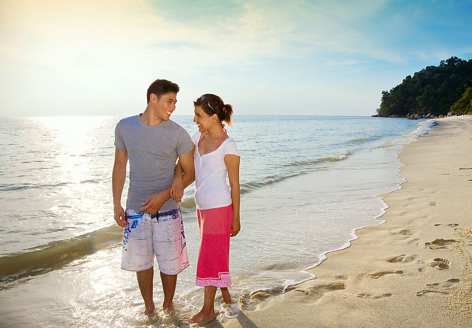 Загораем на пляже парочки смотреть онлайн фотоография